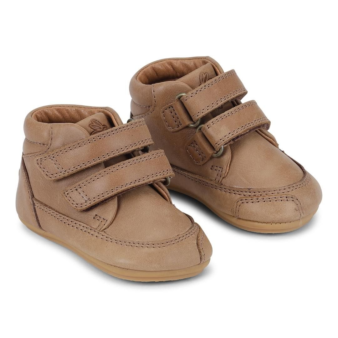 Barefoot Barefoot boty Bundgaard Prewalker II Velcro Caramel WS bosá