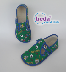 Beda barefoot - papučky na suchý zip zelené fotbal s opatkem | 24, 25, 26, 27, 28, 29, 30