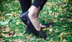 Barefoot Angles Balerínky AFRODITA LIGHT Black Angles Fashion bosá